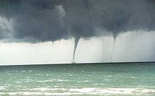 220px-great_lakes_waterspouts