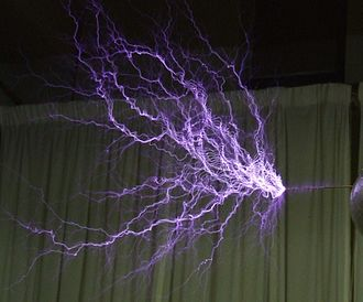 330px-Tesla-coil-discharge